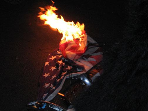 SF USA flag burning01