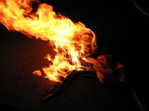 SF USA flag burning03